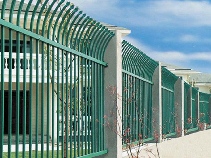 兰州护栏厂家对于热镀锌护栏的加工要求