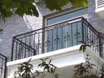 在兰州这个城市,阳台护栏种类繁杂,该如何去选购呢?