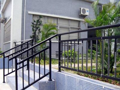 阳台护栏的材质有哪些,家装中阳台护栏不可缺少的4种材料!