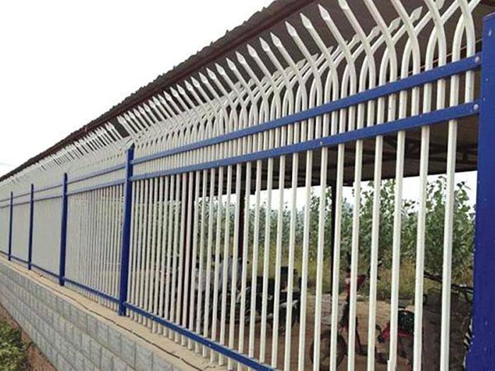 你知道铁艺护栏有哪些吗包括他的特点是什么?