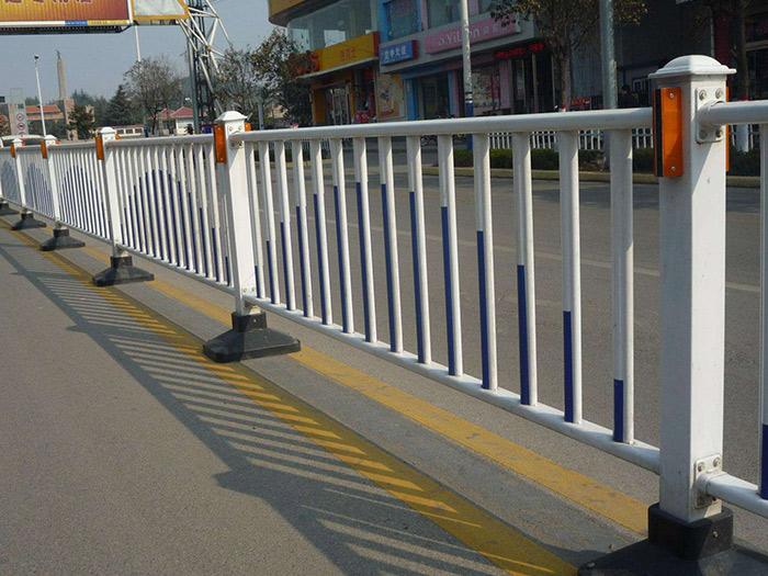 市政护栏的特性及施工注意事项的介绍