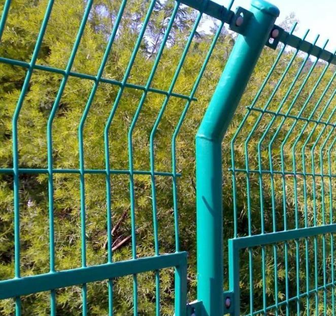 草坪护栏图片