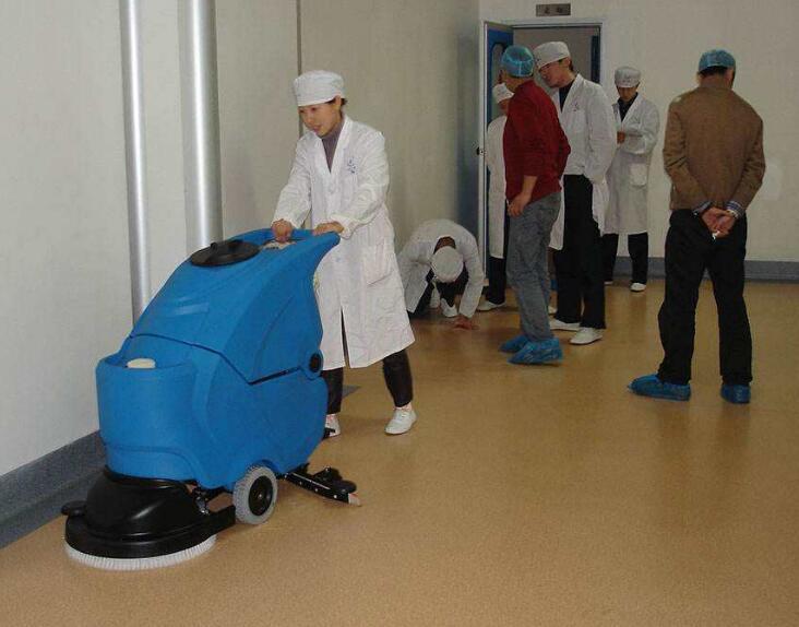 医院是个神圣的地方,对于医院的室内保洁工作需要注意七大事项