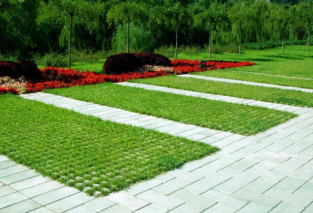 有经验的施工人员都是这样对宜昌植草砖进行施工的,快点进来看吧