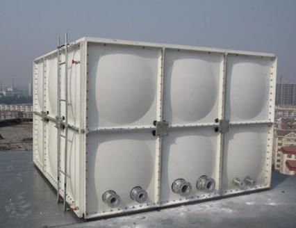镀锌钢板水箱与陕西玻璃钢水箱有什么不同?