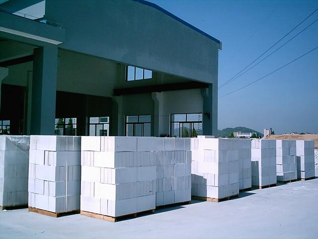 浅析如何避免处理混凝土砌块施工中常见的问题