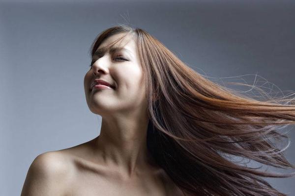 美发知识点:五种轻松缓解头发出油小技巧