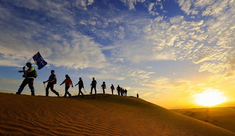"""走进大漠-""""不负初心 不负韶华""""昂立教育再度沙漠毅行"""