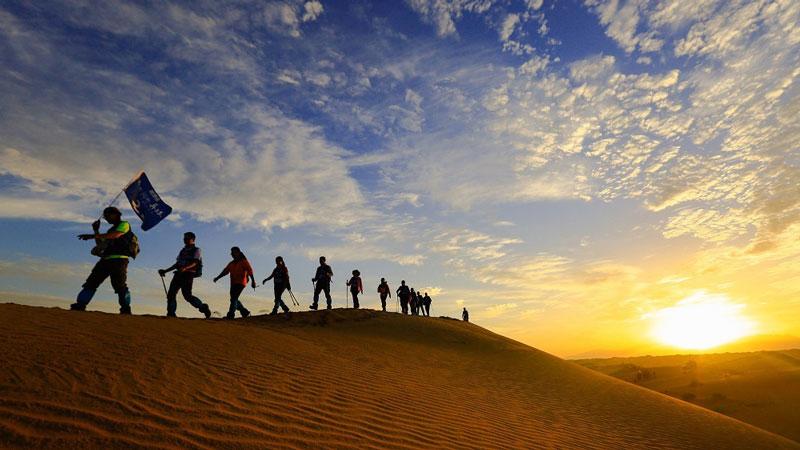 走進大漠高峰體驗特訓營,探索沙漠掘金!