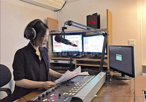 学习播音主持的艺考生中女生学习的技巧和发展方向