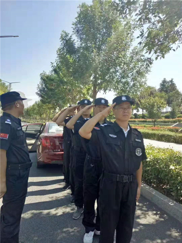 龙卫保安服务公司训练风采