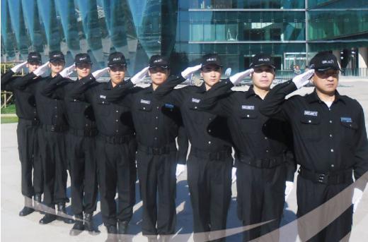 西安龙卫保安执行外勤任务
