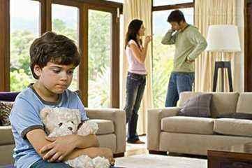 中国式家庭=缺失的父亲+焦虑的母亲+失控的孩子