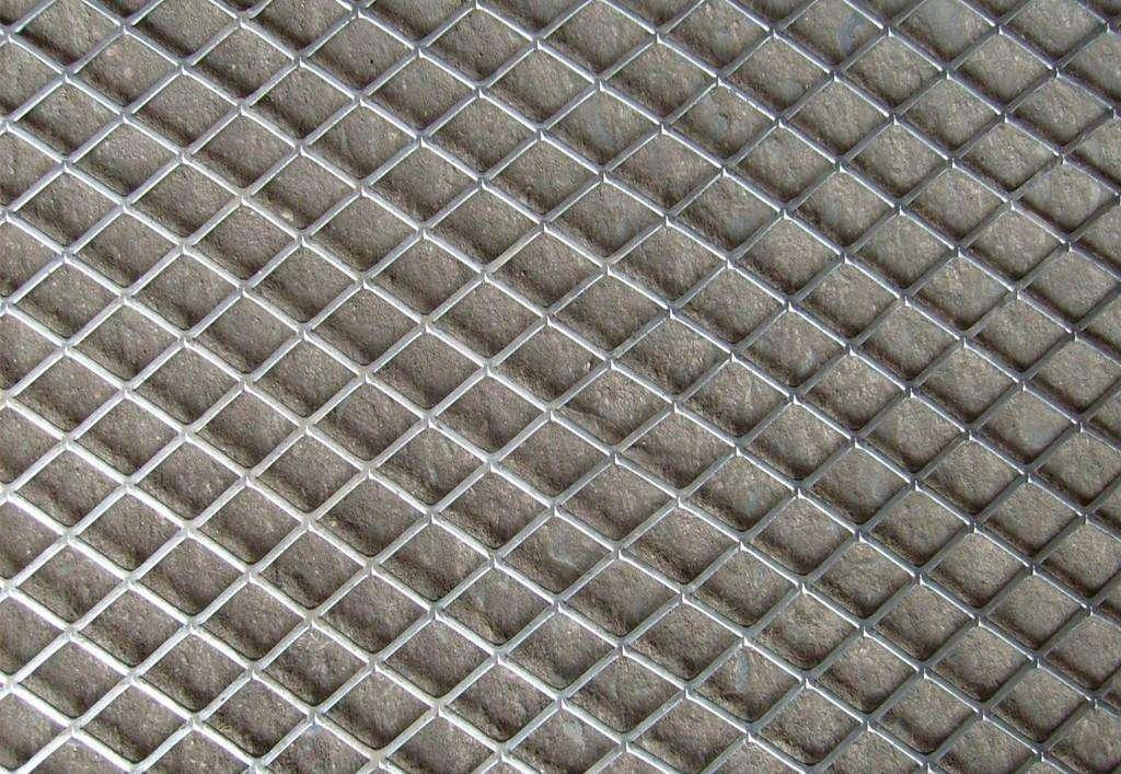 成都鋼板網護欄網用作橋梁防拋網的常用規格