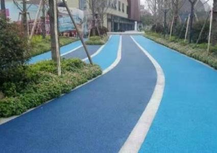 采用分层施工对成都彩色透水混凝土有啥好处?