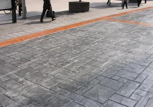 休闲地面,成都压印混凝土地面的特性和施工工艺是怎样的?