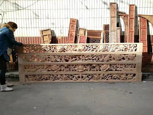 西安仿古木雕工艺品