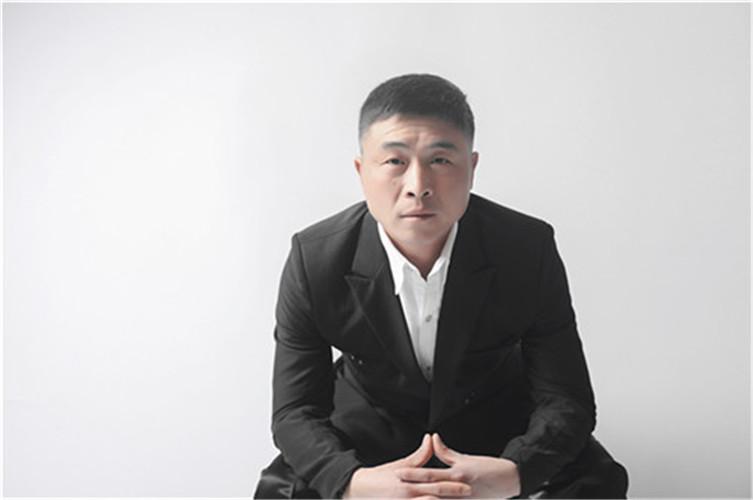 尹红兵(EPS主管)