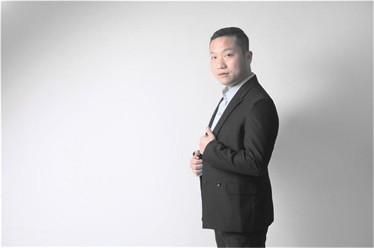 李碧波(工程部经理)