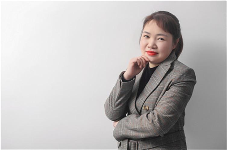 夏雪平(财务部经理)