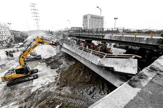 """""""无锡高架桥侧翻""""事件有感——建筑安全让我们共同维护"""