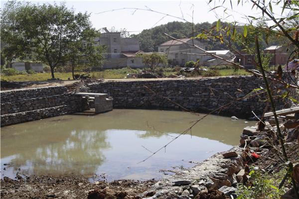 罗家建水塘