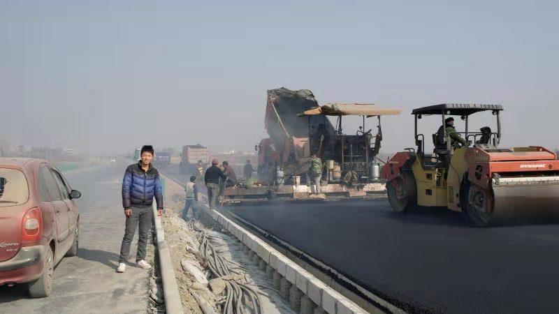鄂黄高速施工现场