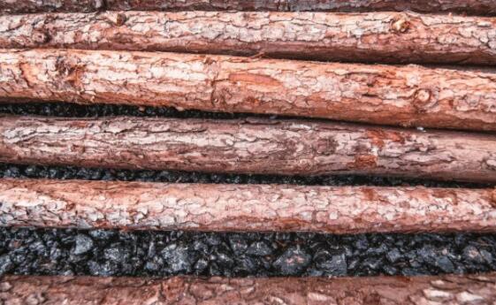 木材作为一种天然材质,有哪些主要的价值呢?