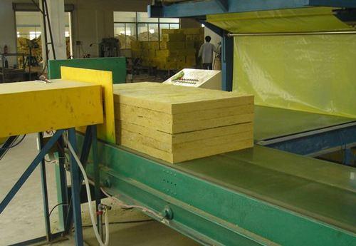 陕西岩棉板厂家带大家了解外墙岩棉板的防火功能和施工要点