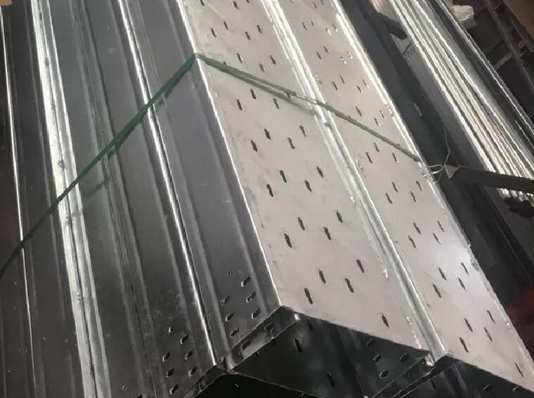 托盘式桥架