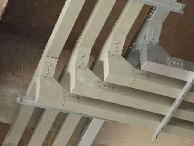 成都电缆桥架厂家