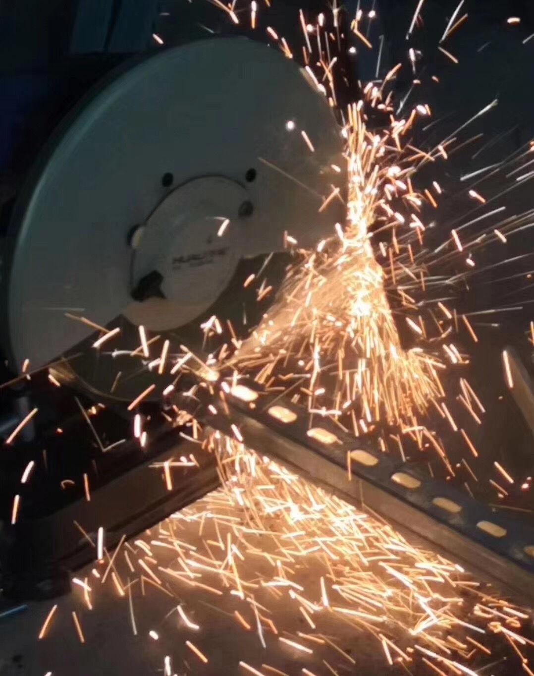 成都抗震支架安装时,现场切割C型槽钢和丝杆的要求