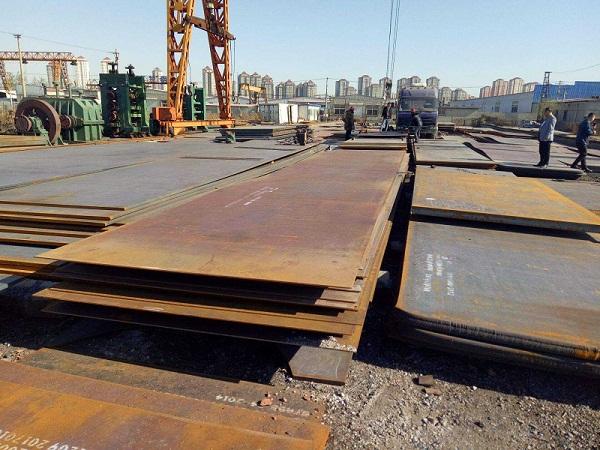 成都高强钢板公司材料堆场