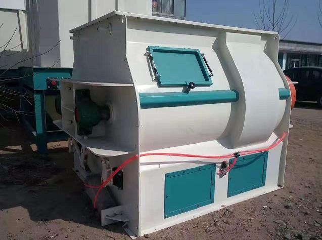内蒙古双轴饲料混合机