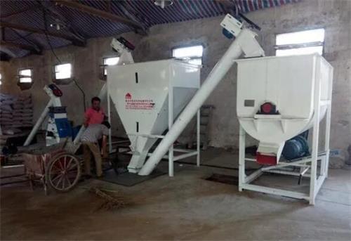 内蒙古饲料混合机作业