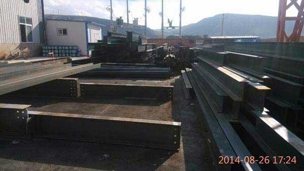 本公司钢柱生产