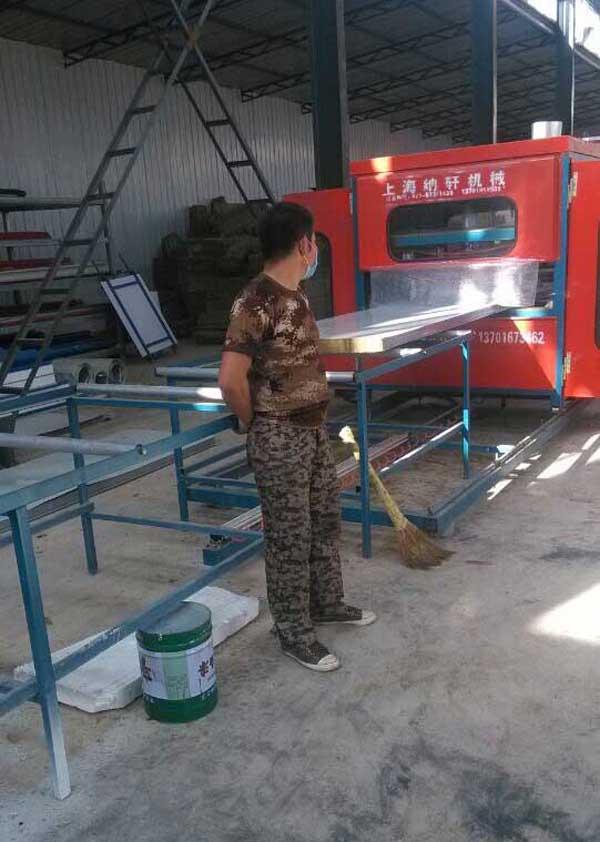 甘肃榆鑫钢结构彩钢生产一角