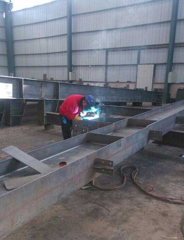 钢结钩焊接