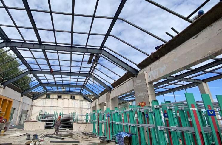 兴隆山滑雪场改建屋面钢结构玻璃顶工程