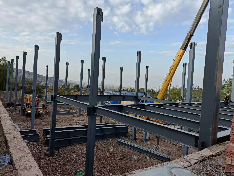 兴隆山滑雪场扩建工程钢结构安装施工
