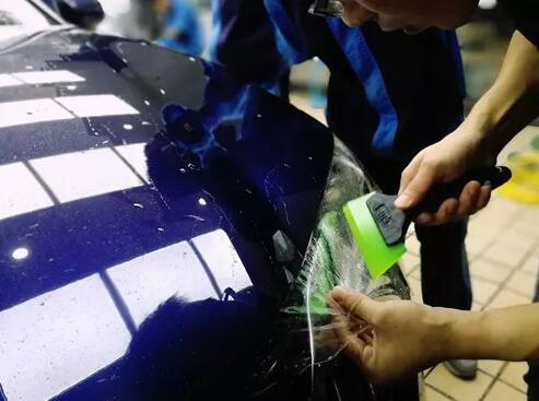 关于汽车贴膜和贴膜出现水纹的处理方式