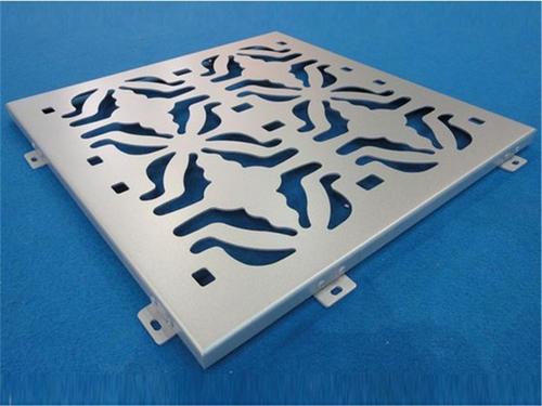 氟碳镂空铝单板雕饰艺术极为丰富,题材十分广泛