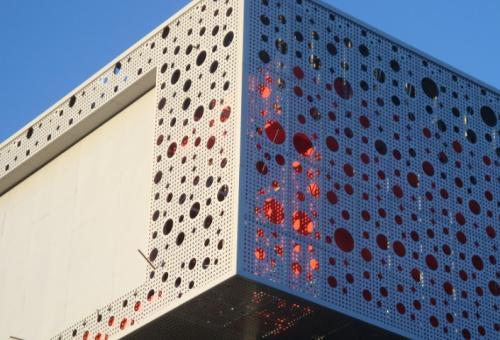 雕花铝单板幕墙