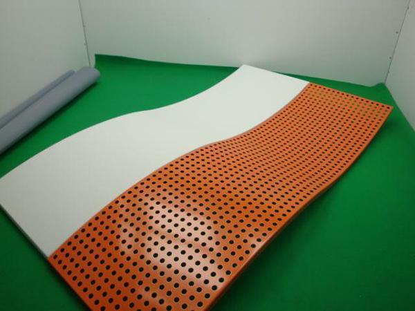 分辨铝单板的质量级别的方式