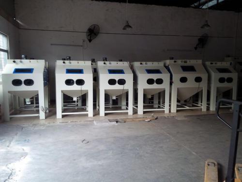 广东自动喷砂机厂家
