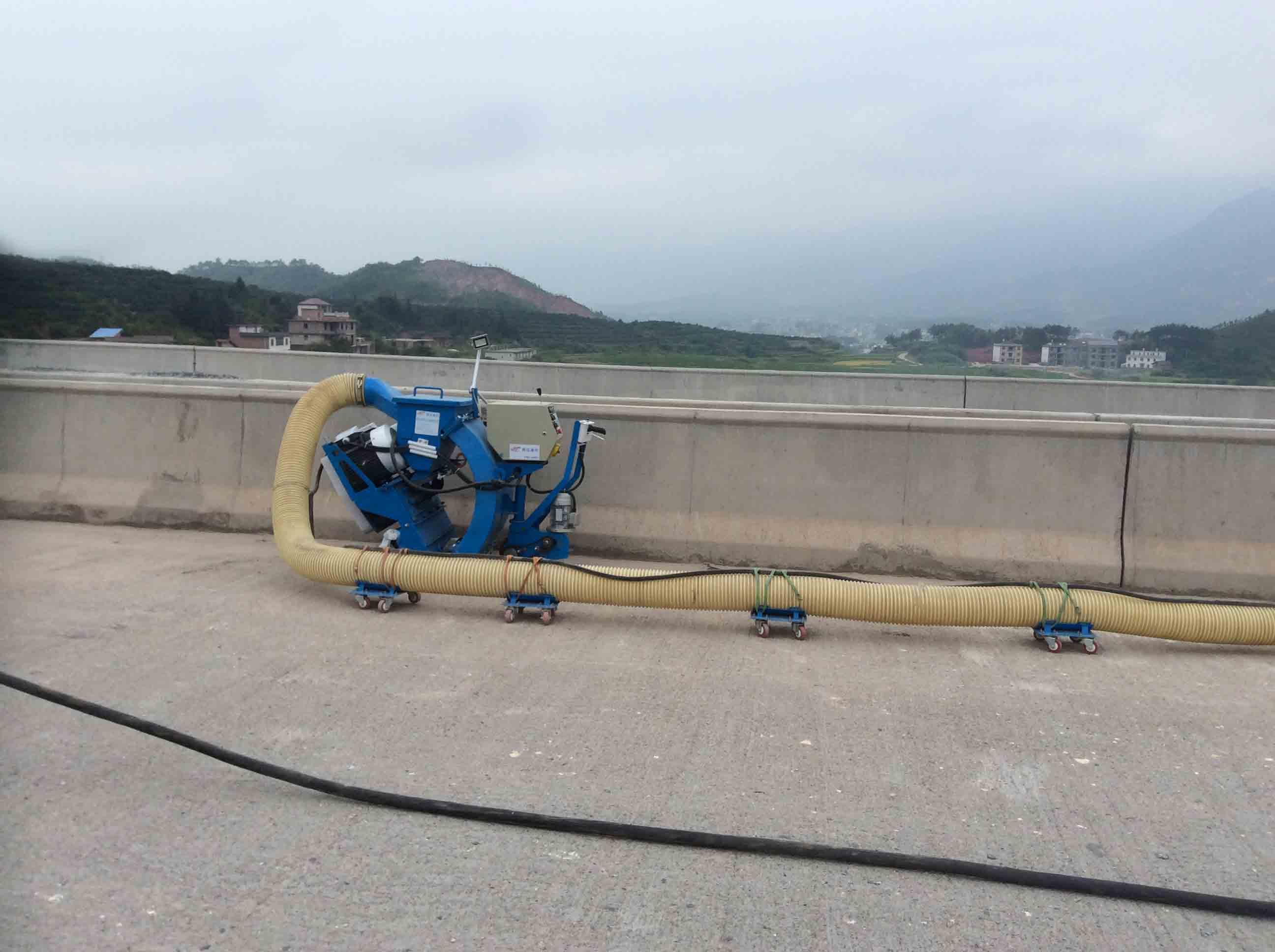 抛丸机已普遍使用于地面及桥面的施工