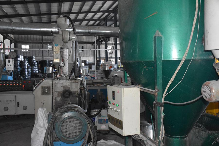 赢源塑业塑料管生产设备展示