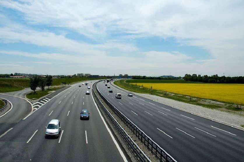 高速公路与我司合作使用HDPE管工程案例
