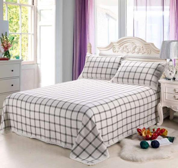 随着夏天的到来,选择在乳胶床垫上放什么睡得更舒服呢