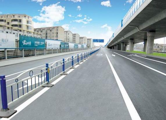 交通护栏设施